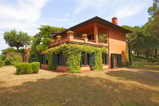 Вилла в Умбрии, Италия, 435 м2 - фото 1