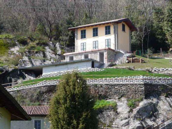 Вилла у озера Комо, Италия, 160 м2 - фото 1