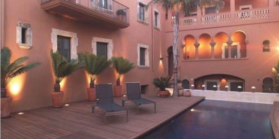 Отель, гостиница на Коста-Дорада, Испания, 2859 м2 - фото 1