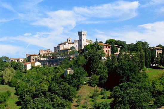 Отель, гостиница в Сиене, Италия, 700 м2 - фото 1