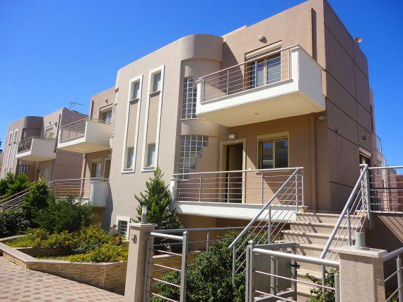 Дом в Лутраки, Греция, 220 м2 - фото 1