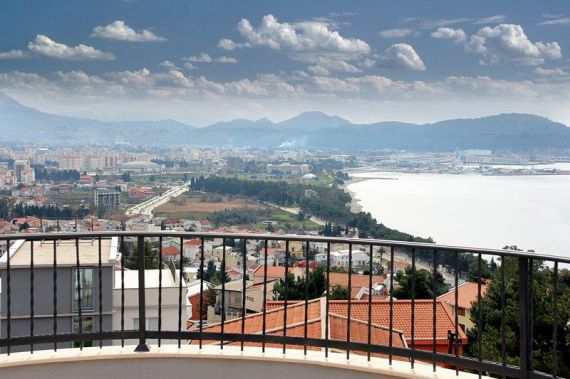 Вилла в Баре, Черногория, 320 м2 - фото 1