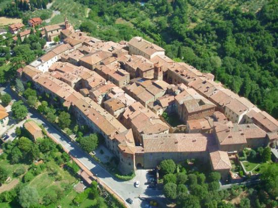 Квартира в Умбрии, Италия, 120 м2 - фото 1