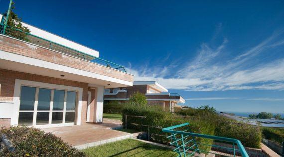 Comprare una casa a buon mercato a Ivrea con vista sul mare