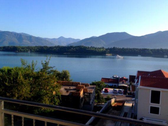 Квартира в Тивате, Черногория, 71 м2 - фото 1