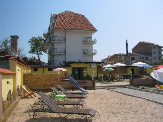 Отель, гостиница в Приморско, Болгария, 1177 м2 - фото 1