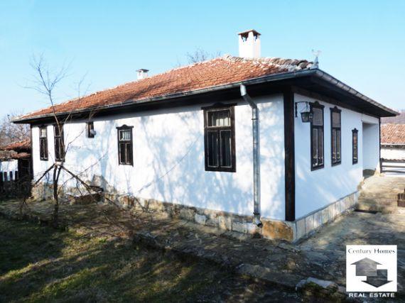 Дом в Велико Тырново, Болгария, 1800 м2 - фото 1