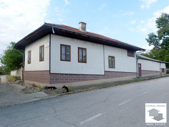 Дом в Велико Тырново, Болгария, 1900 м2 - фото 1