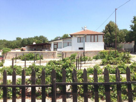Дом в Николаевке, Болгария, 15 сот. - фото 1