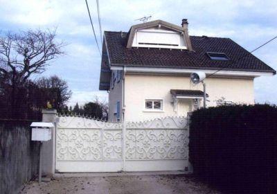 Дом в Рона-Альпы, Франция, 700 м2 - фото 1