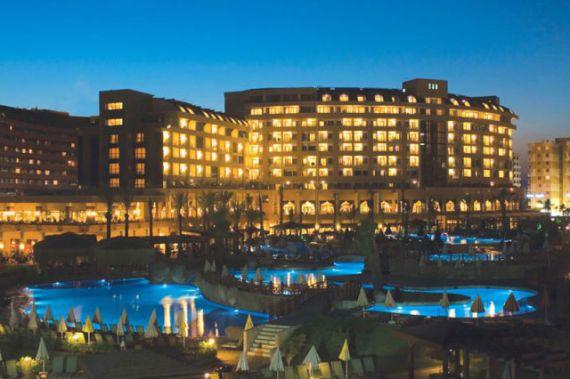 Отель, гостиница в Анталии, Турция, 110000 м2 - фото 1