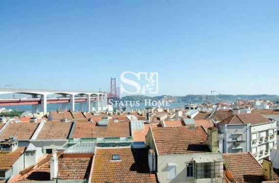 Квартира в Лиссабоне, Португалия, 50 м2 - фото 1