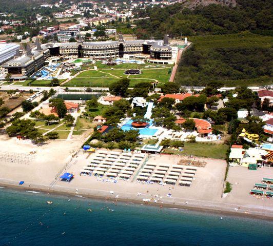 Отель, гостиница в Кемере, Турция, 100000 м2 - фото 1