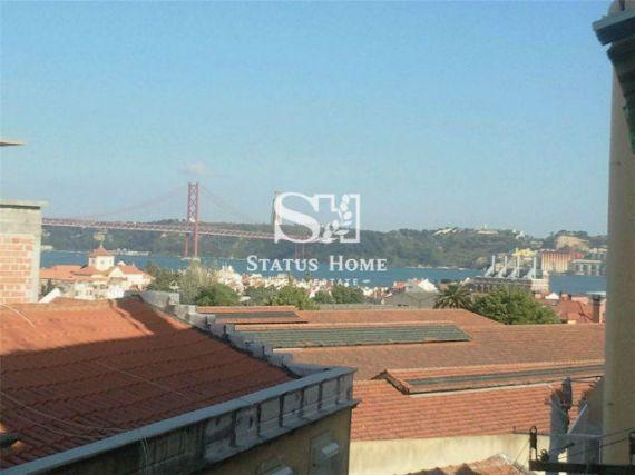 Квартира в Лиссабоне, Португалия, 72 м2 - фото 1