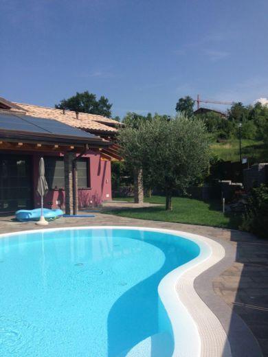 Вилла у озера Гарда, Италия, 800 м2 - фото 1