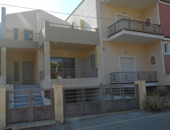 Дом в Коринфе, Греция, 2 сот. - фото 1
