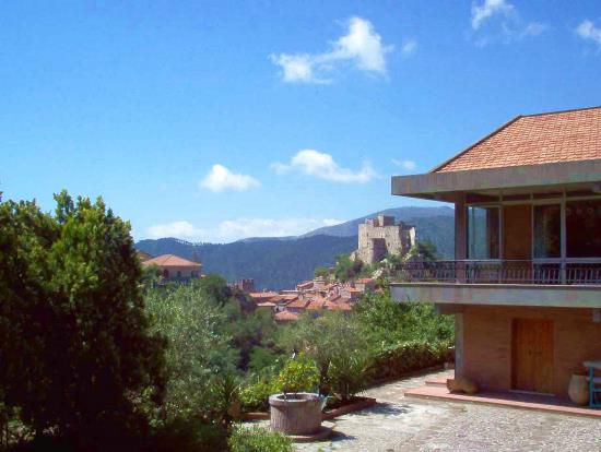 Rent real estate abroad by the sea in Albenga