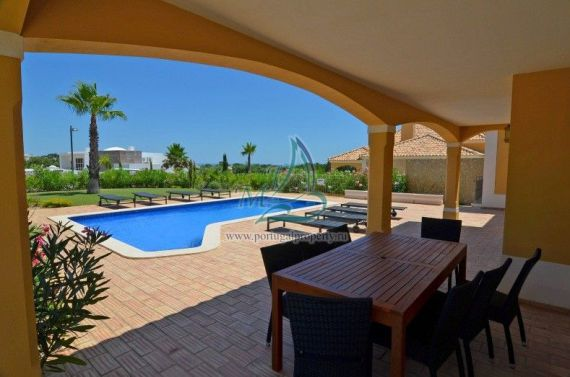 Rental properties abroad by the sea in Matala