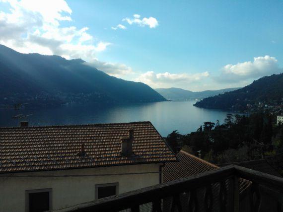 Вилла у озера Комо, Италия, 210 м2 - фото 1