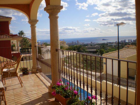 Вилла в Аликанте, Испания, 700 м2 - фото 1