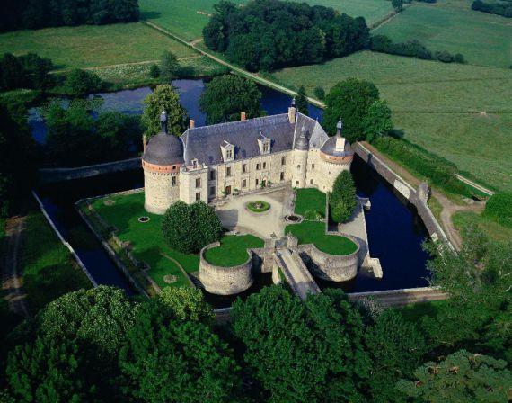 Замок в Лимузене, Франция, 17 Га - фото 1
