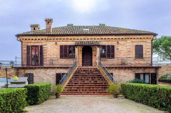 Вилла в Фермо, Италия, 1000 м2 - фото 4