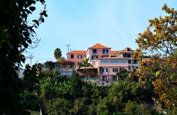 Отель, гостиница на Мадейре, Португалия, 1000 м2 - фото 1