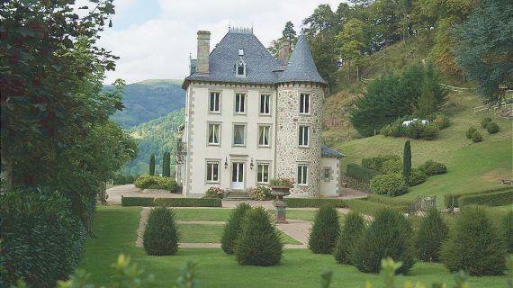 Замок в Оверни, Франция, 540 м2 - фото 1