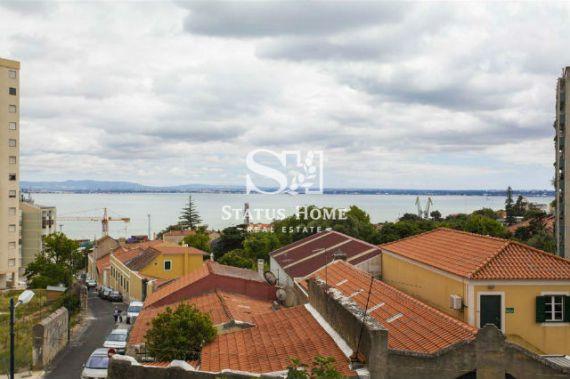 Квартира в Лиссабоне, Португалия, 40 м2 - фото 1