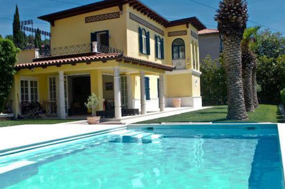 Affittare una villa nel mare Gerace