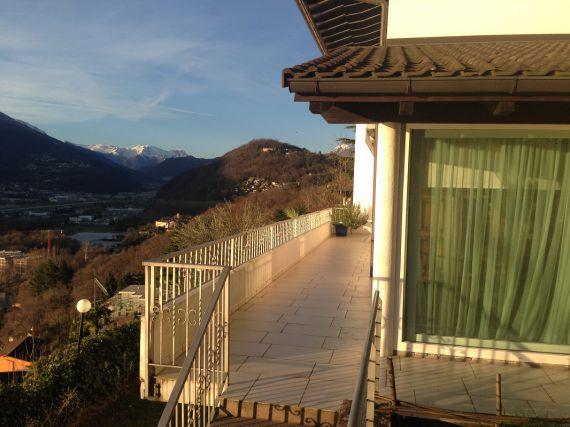 Вилла в Лугано, Швейцария, 1000 м2 - фото 1