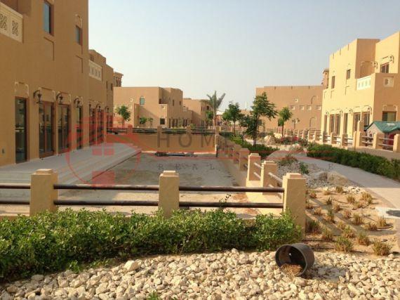 Вилла в Дубае, ОАЭ, 600 м2 - фото 1