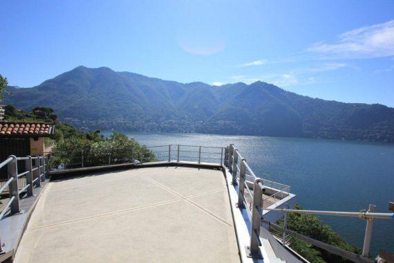 Вилла у озера Комо, Италия, 250 м2 - фото 1