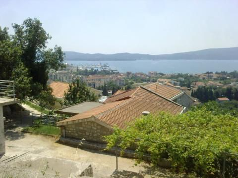 Апартаменты в Тивате, Черногория, 40 м2 - фото 1