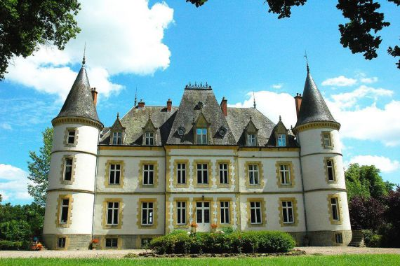 Замок в Бургундии, Франция, 600 м2 - фото 1