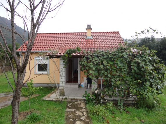 Дом в Херцеге Нови, Черногория, 400 м2 - фото 1