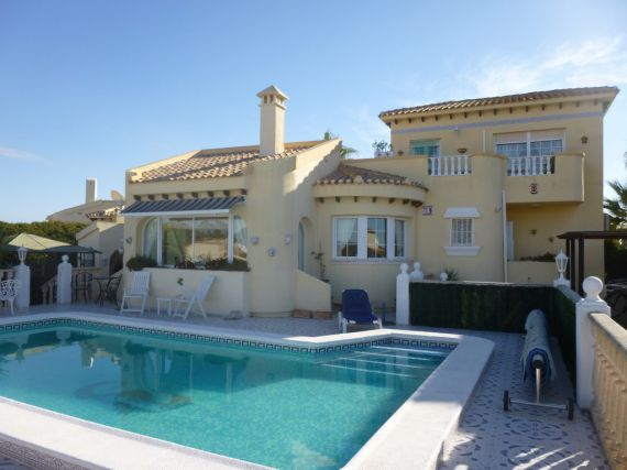Вилла в Торревьехе, Испания, 220 м2 - фото 1