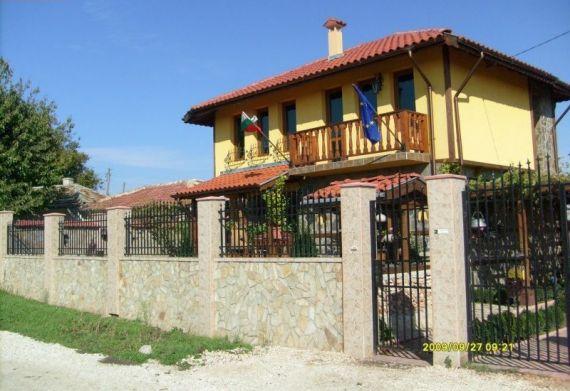 Дом в Варненской области, Болгария, 365 м2 - фото 1