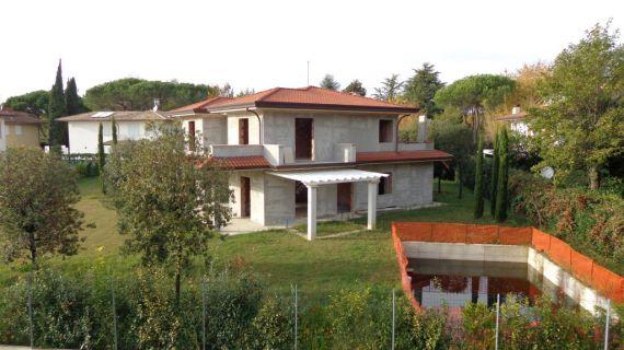 Вилла в Форте деи Марми, Италия, 1500 м2 - фото 1