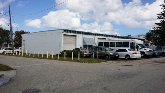 Коммерческая недвижимость в Майами, США, 474 м2 - фото 1