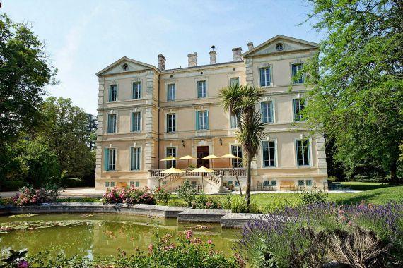 Замок в Авиньоне, Франция, 47000 м2 - фото 1