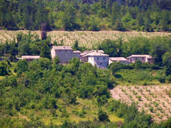 Поместье в Асколи Пичено, Италия, 1200 м2 - фото 1