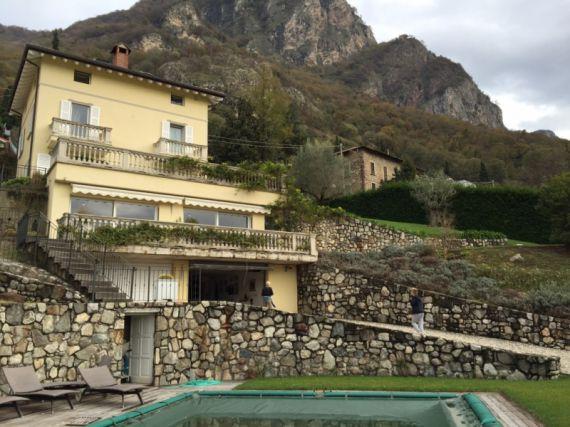 Вилла у озера Комо, Италия, 280 м2 - фото 1
