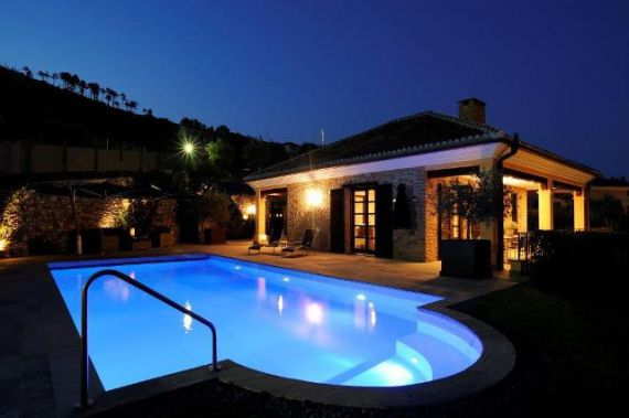 Вилла в Савоне, Италия, 1000 м2 - фото 1