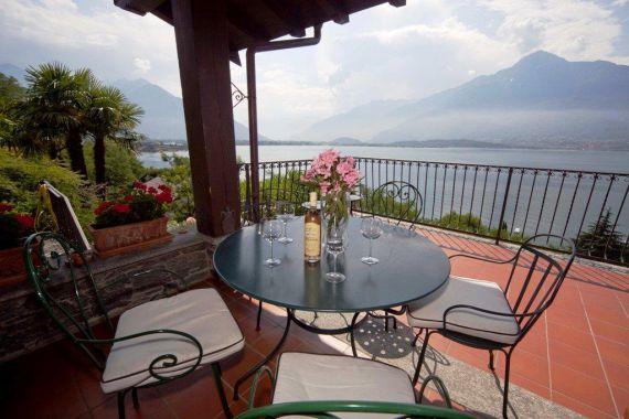 Вилла у озера Комо, Италия, 3500 м2 - фото 1