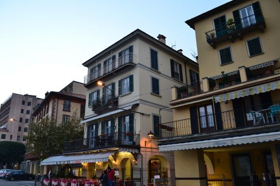 Апартаменты у озера Комо, Италия, 110 м2 - фото 1