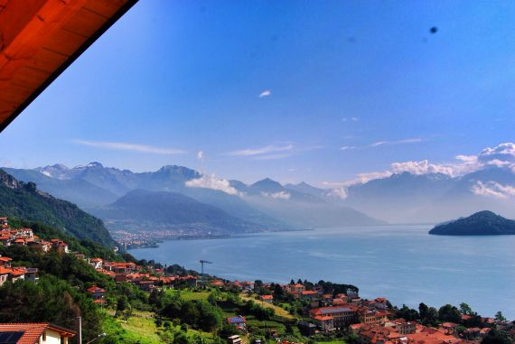 Апартаменты у озера Комо, Италия, 130 м2 - фото 1