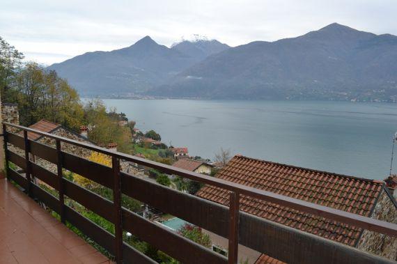 Апартаменты у озера Комо, Италия, 90 м2 - фото 1