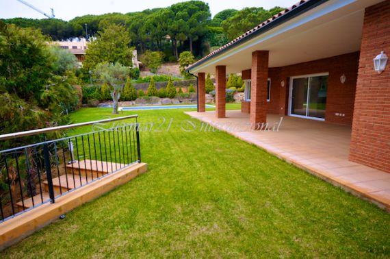 Дом в Барселоне, Испания, 560 м2 - фото 1