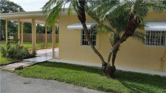 Дом в Майами, США, 900 м2 - фото 1